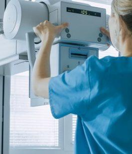 دستگاه رادیولوژی آراد پرتو درمان